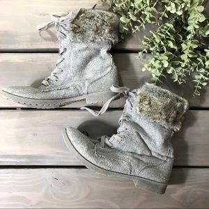 Roxy grey lace up boots